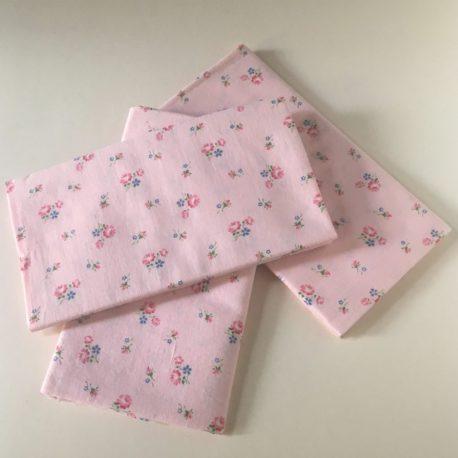 semis de fleurettes fond rose