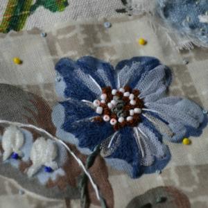 fleur rebrodée