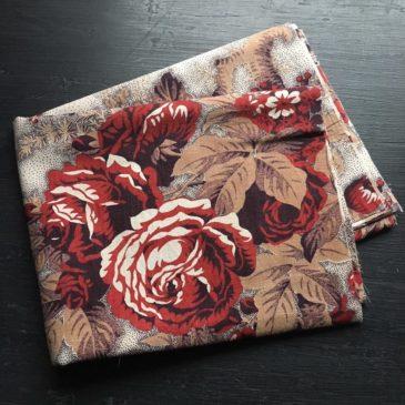 tissu Napoléon III roses et dahlias