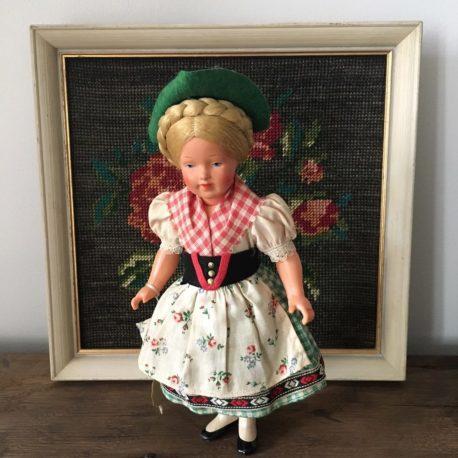 poupée folklorique autrichienne
