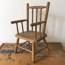 fauteuil de poupée ancien