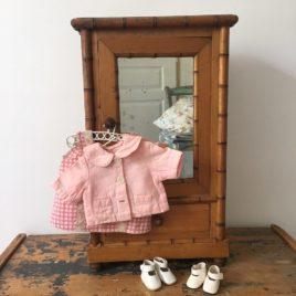 armoire de poupée ancienne face