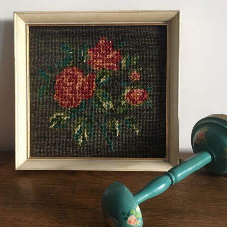 canevas ancien aux roses