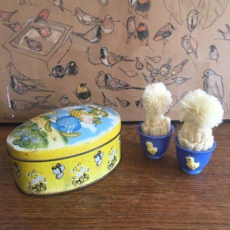 boite ancienne lapin poussin