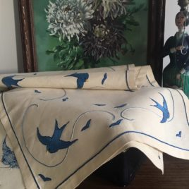 napperon oiseaux bleus