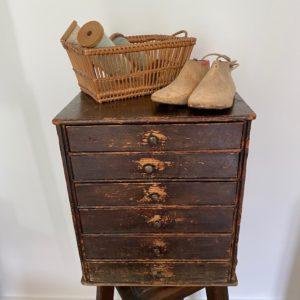 meuble à tiroirs ancien atelier