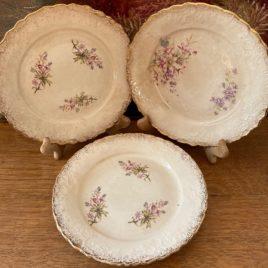 assiettes anciennes décor fleuri